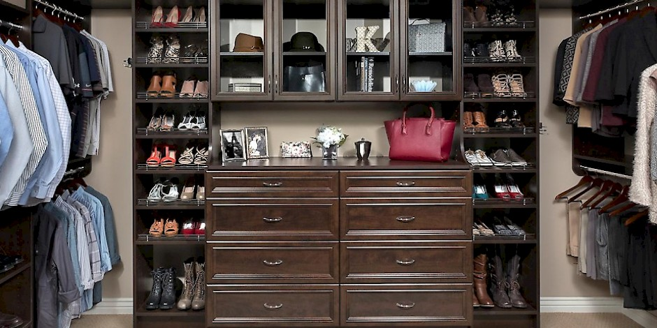 Custom Walk In Closet with Milan Drawer Fronts